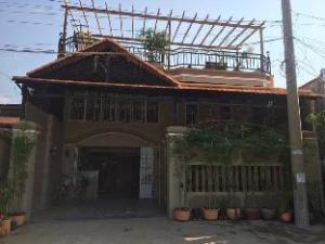 Creek Kampot Guest House