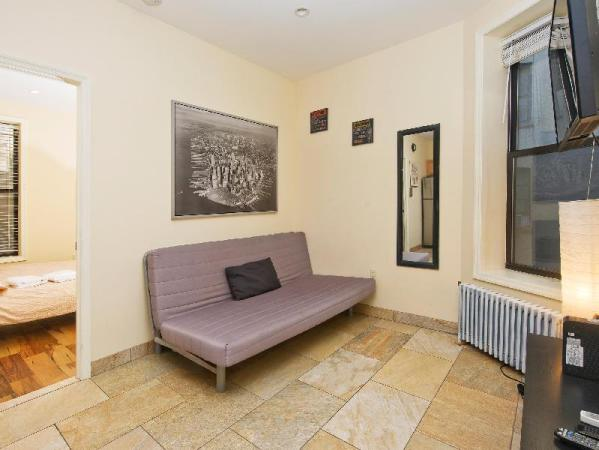 Cozy Two Bedroom Apartment Near Times Square New York