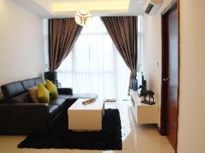 Paragon Serviced Suites @ Straits View