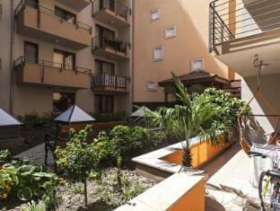 Broadway Hostel Budapest - Garden