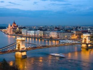 Budapest Museum Central Budapest - Surroundings