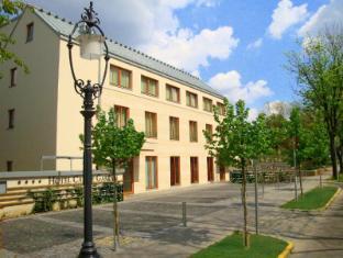 Hotel Castle Garden Budapest - Entrance