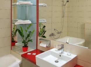 Promenade City Hotel Budapest - Bathroom