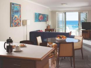 Seashells Scarborough Perth - Superior Apartment Living Room