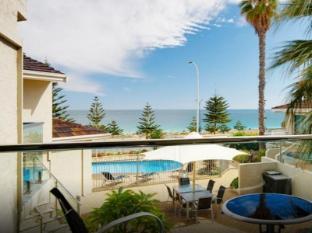 Seashells Scarborough Perth - Balcony