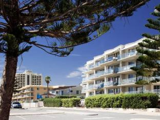 Seashells Scarborough Perth - Exterior