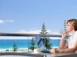 Seashells Scarborough Perth - Balcony View