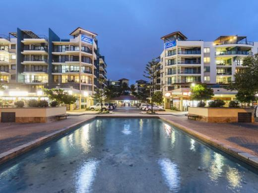 Oaks Seaforth Apartments