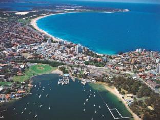 Manly Seaside Holiday Apartments