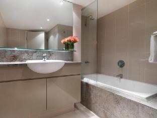 Adina Apartment Hotel Sydney Harbourside Sydney - Bathroom