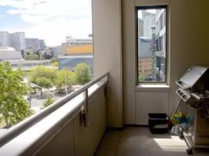 Elegant Central City Apartment
