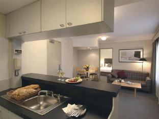 Rendezvous Hotel Sydney The Rocks Sydney - 1 Bedroom Kitchen & Lounge