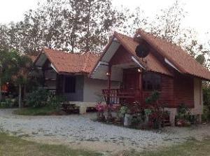 Puan Pae Resort