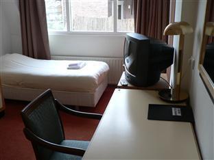 Economy Hotel Utrecht - Single Room