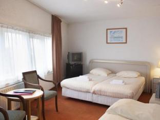 Economy Hotel Utrecht - Guest Room