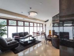 SI 4 Bedroom Apartment in Nipponbashi Osaka