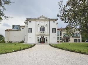 關於巴巴瑞奇別墅飯店 (Hotel Villa Barbarich)