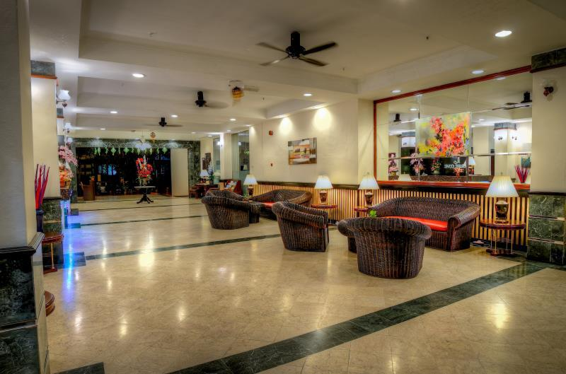 Leisure Cove Hotel And Apartments