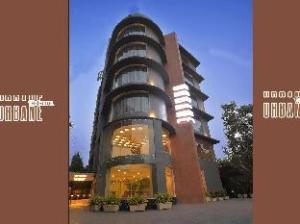 เออร์บาน เดอะ โฮเต็ล (Urbane The Hotel)