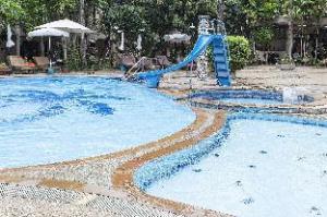 ZEN Rooms Prachanukroh Patong Beach