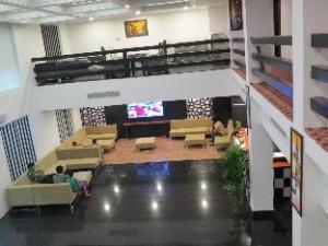 Hotel Rose Petal