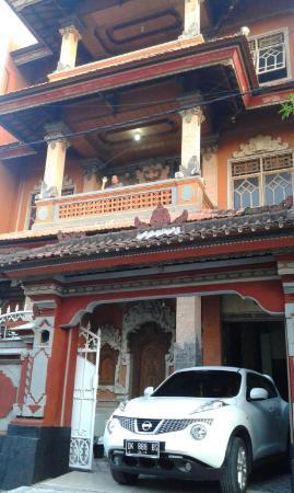 Ratih Hostel Bali
