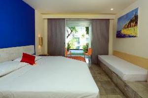 RedDoorz Plus near Kuta Square
