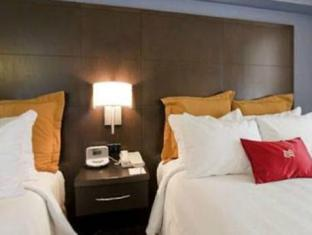 Crowne Plaza Hotel Toronto Airport Toronto (ON) - Guest Room