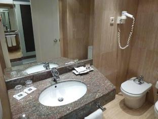 Hotel Royal Ramblas Barcelona - Bathroom