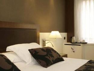 Hotel Royal Ramblas Barcelona - Guest Room