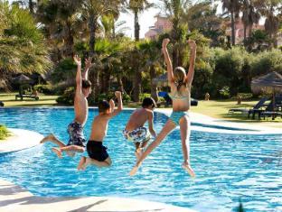 Kempinski Hotel Bahía אסטפונה - בריכת שחיה