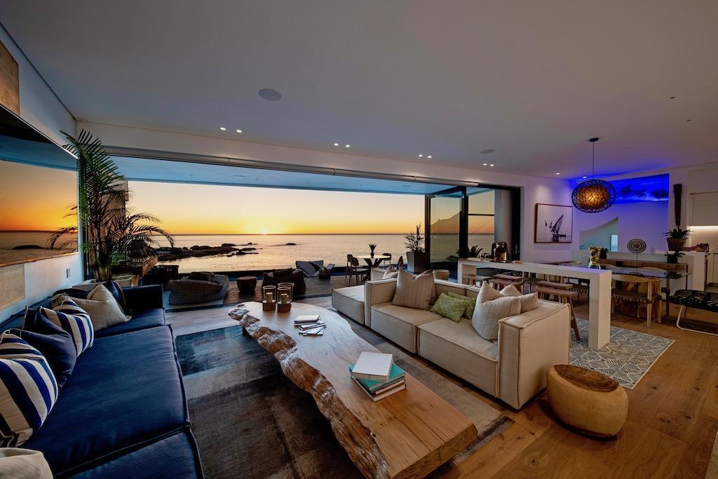 Camps Bay 56 Beach Villa   Stunning Seafront Views