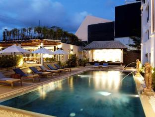 Avantika Boutique Hotel Patong Beach Phuket - Swimming Pool