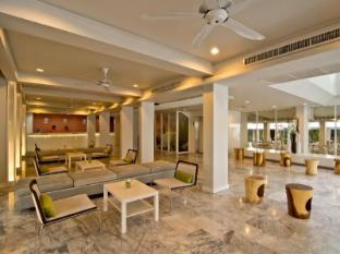 Sunshine Hotel & Residences Pattaya - Lobby