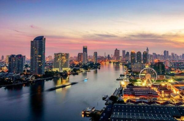 1 BR Pool view Nearby BTS / Pier/ Asiatique  Bangkok