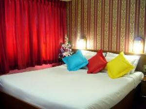 Bunk Sukhumvit 11 Business Inn