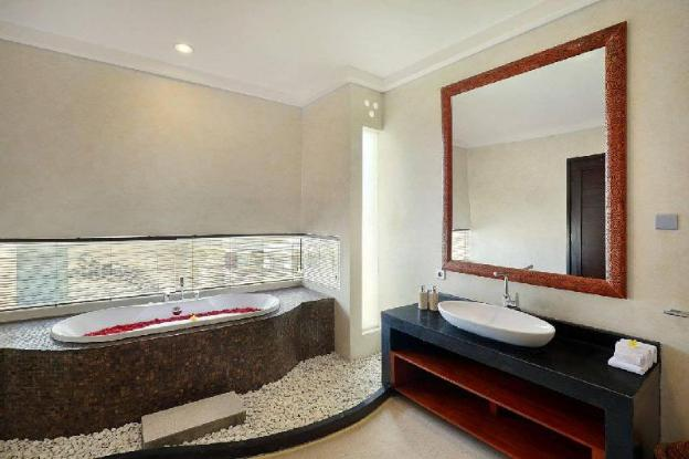 The Villa 4 Bedrooms Nusa Dua