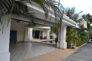 4 bedroom Deluxe Jomtien Beachfront วิลลา 4 ห้องนอน 4 ห้องน้ำส่วนตัว ขนาด 110 ตร.ม. – นาจอมเทียน