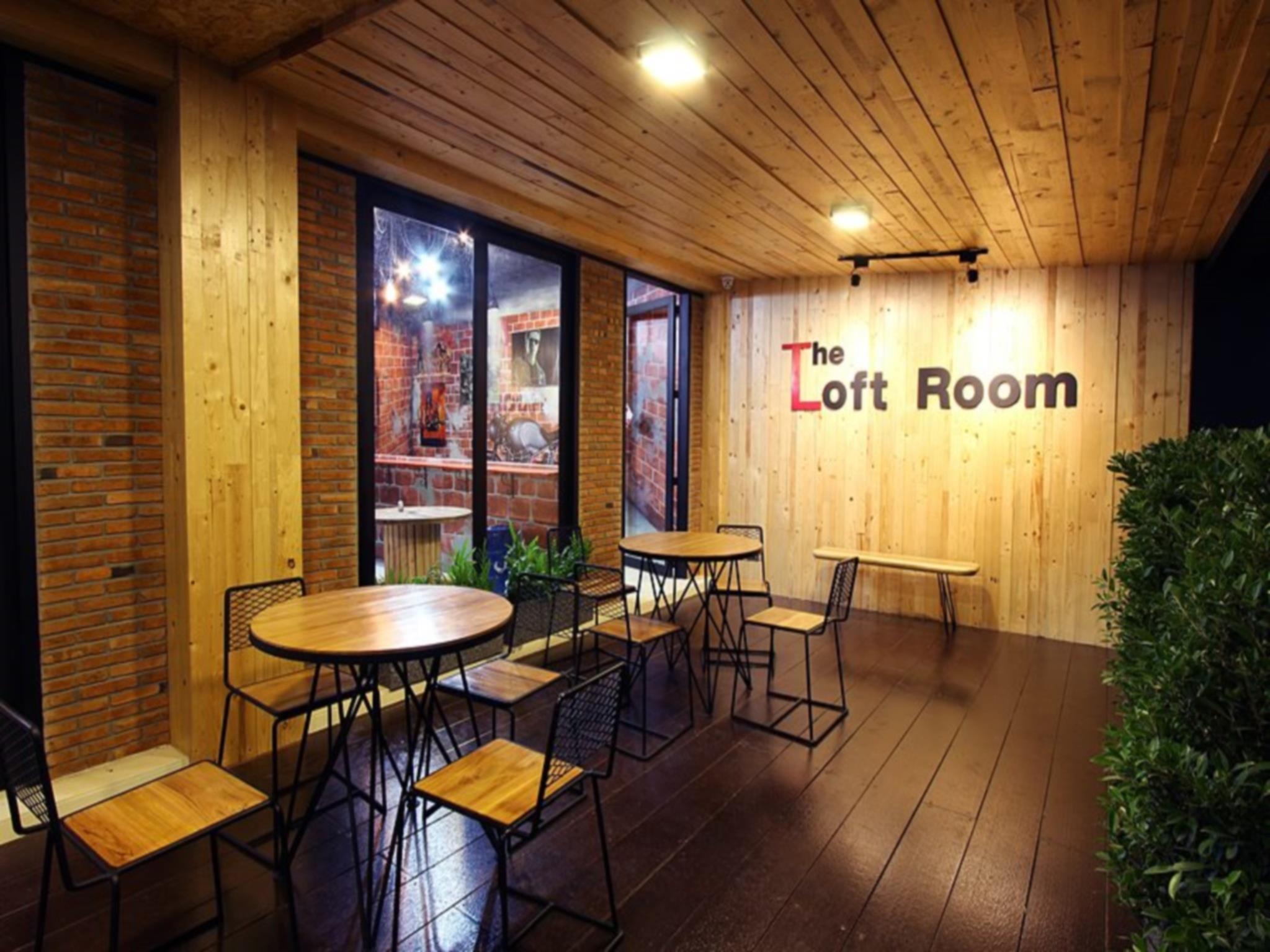 เทียบราคาก่อน เดอะ ลอฟต์รูม นิมมาน (The Loft Room Nimman) รีวิว Pantip