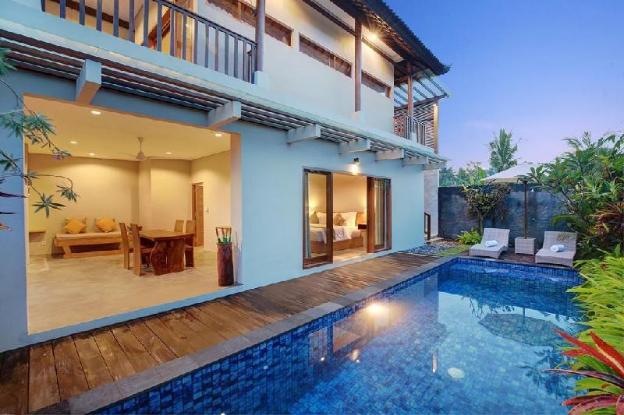 Two-Bedroom Villa with Private Pool and Breakfast.