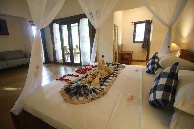 1BR Superior Villa Room-Hot Tub-B'fast - Main Pool