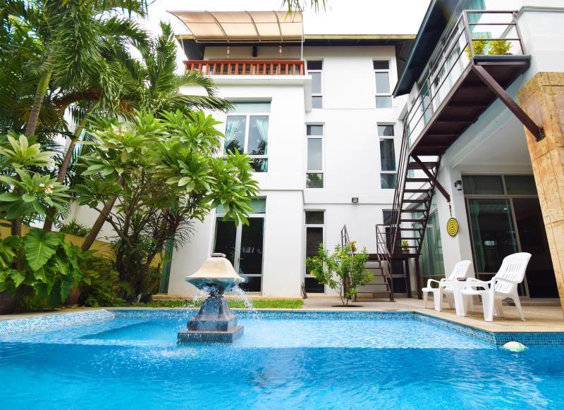 Tropical Garden Paradise Villa