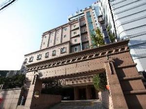 關於宮殿飯店 (Palace Hotel)