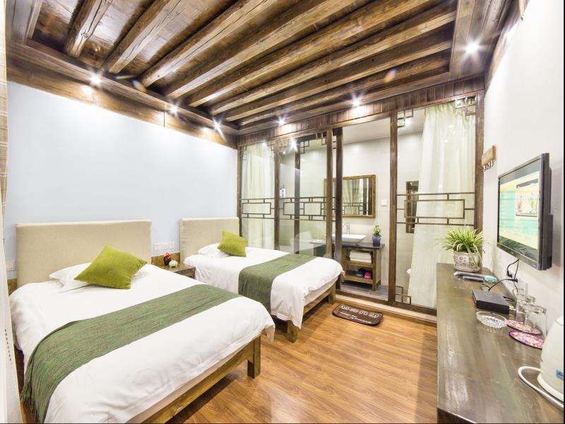 Lijiang Easy Inn