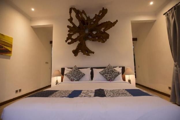 2BR Private Pool offer Italian & Indonesian Dishes