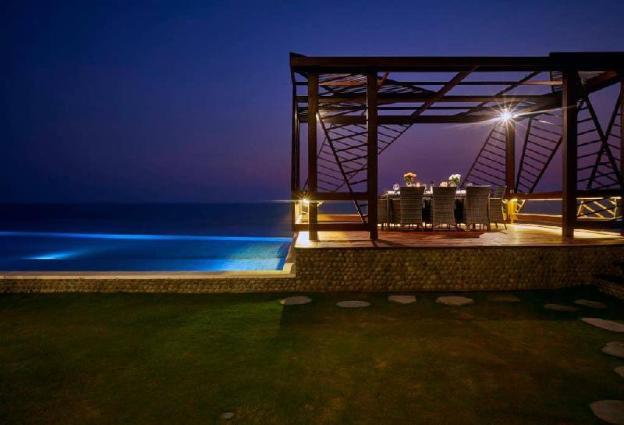 50 off- Rejuvenate, absolute beachfront retreat !