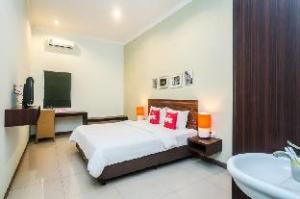 ゼン ルームズ バイ パス ヌサ ドゥア (ZEN Rooms By Pass Nusa Dua)