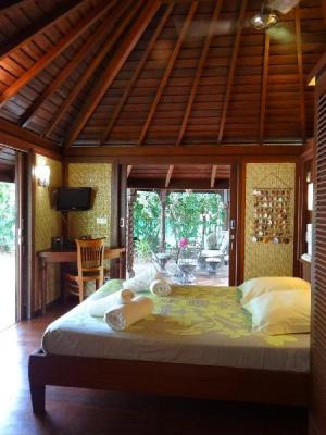 Par Robinson's Cove Villas - Bougainville Bungalow (Robinson's Cove Villas - Bougainville Bungalow )