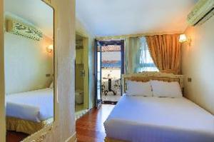 历史酒店 (Historia Hotel)
