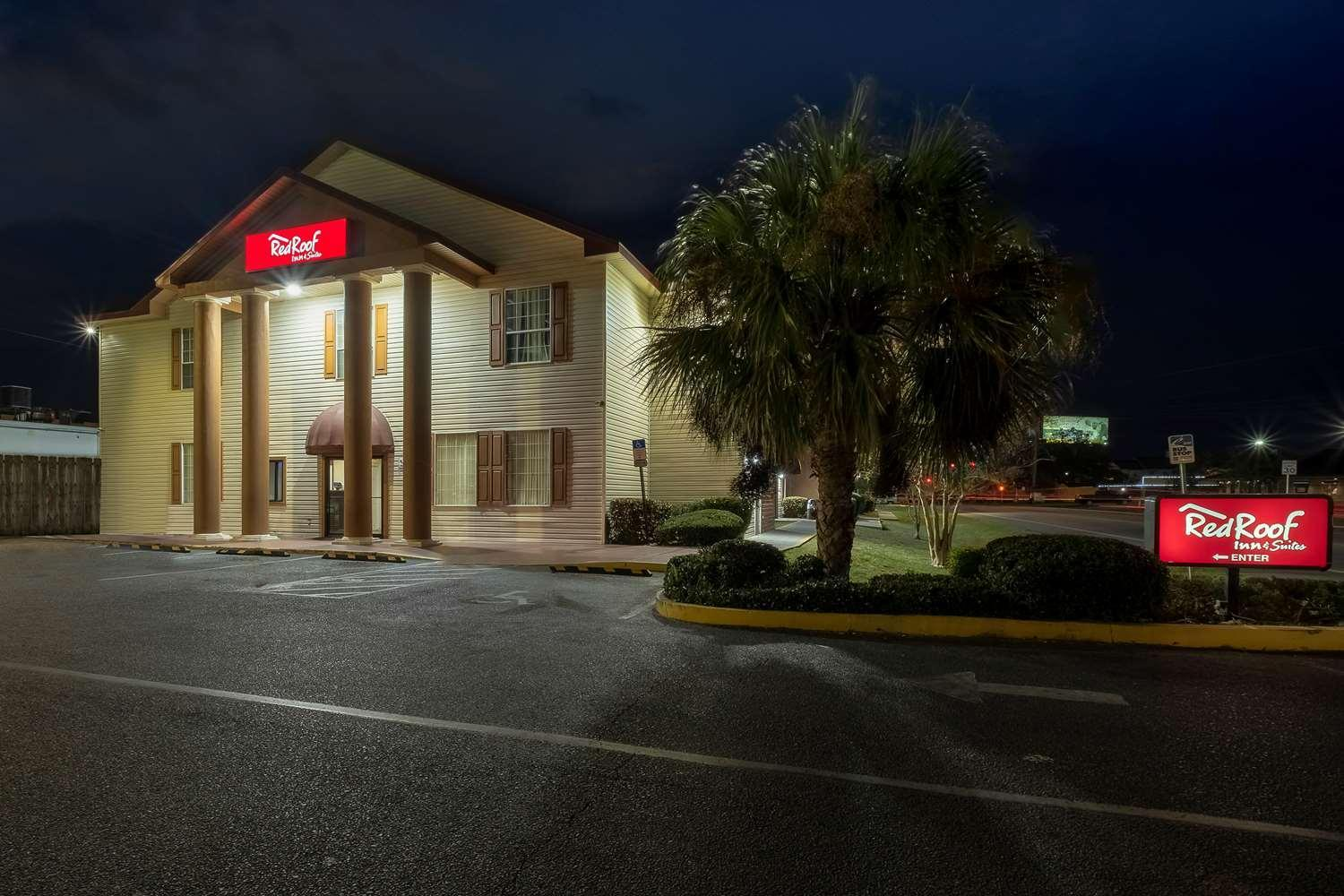 Red Roof Inn And Suites Pensacola   NAS Corry